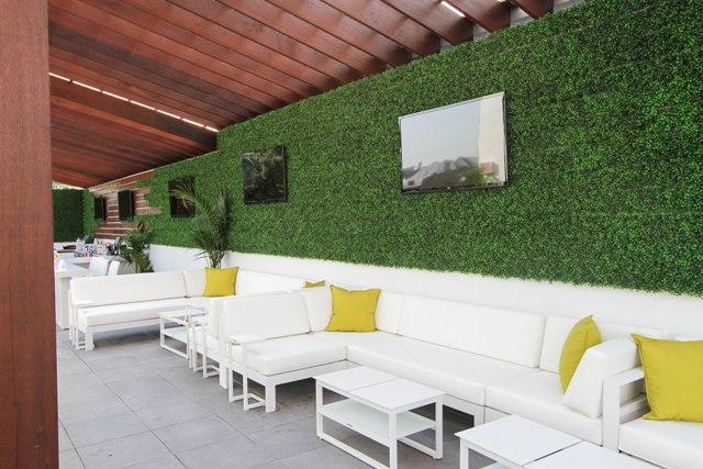 Casey Moran's Ivy Lounge - Chicago Outdoor Patios