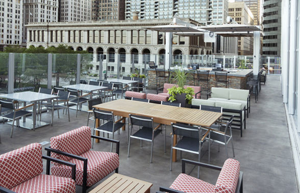 Tree House at Tavern on the Park - Chicago Outdoor Patios